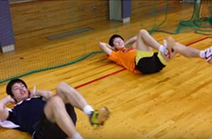 体幹を、安定させるために腹筋トレーニングをしています。